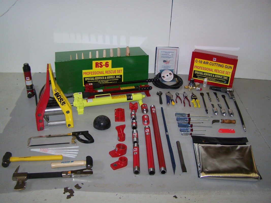RS-6 Aircraft Rescue Tools Set Picture